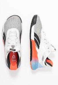 Reebok - NANO X - Sportschoenen - white/blue/vivid orange - 1