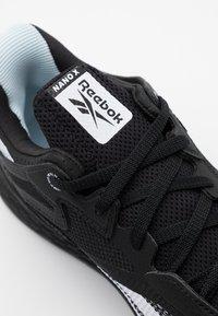 Reebok - NANO X - Chaussures d'entraînement et de fitness - black/white - 5
