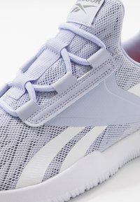 Reebok - REAGO PULSE 2.0 - Obuwie do biegania treningowe - wild lila/white/lila frost - 5