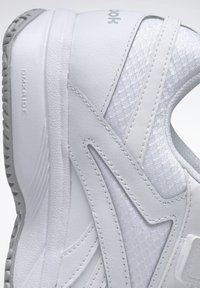 Reebok - WORK N CUSHION 4.0 SHOES - Walking shoes - white - 6