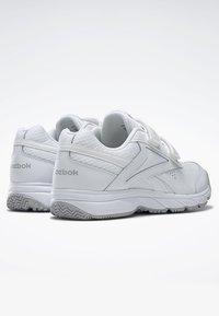 Reebok - WORK N CUSHION 4.0 SHOES - Walking shoes - white - 3