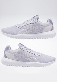 Reebok - REEBOK FLEXAGON ENERGY TR 2.0 SHOES - Sneakersy niskie - lilac frost - 2