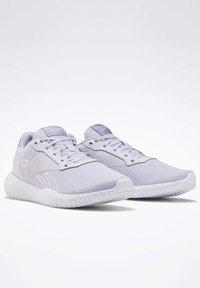Reebok - REEBOK FLEXAGON ENERGY TR 2.0 SHOES - Sneakersy niskie - lilac frost - 3