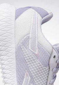Reebok - REEBOK FLEXAGON ENERGY TR 2.0 SHOES - Sneakersy niskie - lilac frost - 7