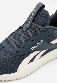 Reebok - FLEXAGON ENERGY TR 2.0 - Zapatillas de entrenamiento - glass pink/smoky indigo/chalk - 5