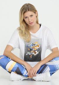 Reebok - TEE - T-shirt imprimé - white - 1
