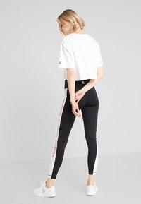 Reebok - LINEAR LOGO CROP TEE - Print T-shirt - white - 2