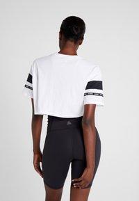 Reebok - SOLID TEE - T-shirt print - white - 2