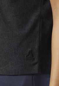 Reebok - TRAINING ESSENTIALS RIBBED TEE - Basic T-shirt - black - 3