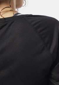 Reebok - ONE SERIES BURNOUT LONG SLEEVE TEE - Camiseta de deporte - black - 4