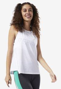 Reebok - PERFORATED PERFORMANCE TANK TOP - T-shirt de sport - white - 0