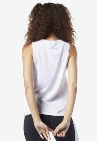 Reebok - PERFORATED PERFORMANCE TANK TOP - T-shirt de sport - white - 2