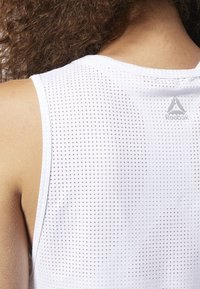 Reebok - PERFORATED PERFORMANCE TANK TOP - T-shirt de sport - white - 5
