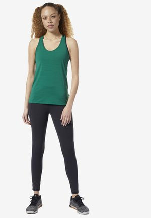 ACTIVCHILL - Sports shirt - clover green
