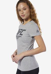Reebok - UFC FAN GEAR LOGO TEE - T-shirt con stampa - grey - 2