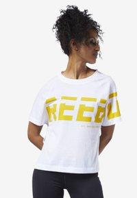 Reebok - MEET YOU THERE GRAPHIC TEE - Print T-shirt - white - 1