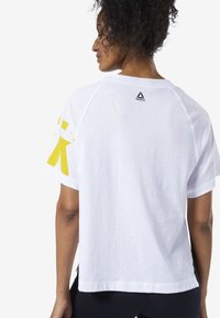 Reebok - MEET YOU THERE GRAPHIC TEE - Print T-shirt - white - 2