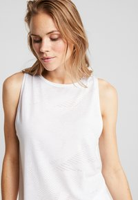Reebok - BURNOUT TANK - Top - white - 3
