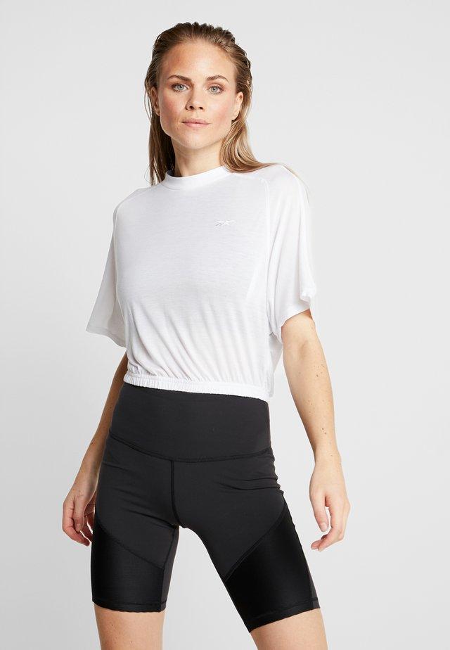 TEE - Jednoduché triko - white