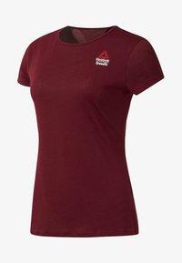 Reebok - REEBOK GAMES ACTIVCHILL TEE - T-shirts med print - red - 0