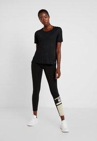 Reebok - TEE - T-shirt basic - black - 1