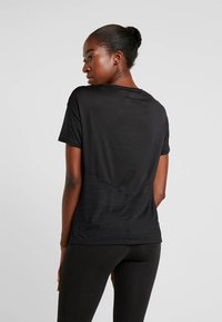 Reebok - TEE - T-shirt basic - black - 2