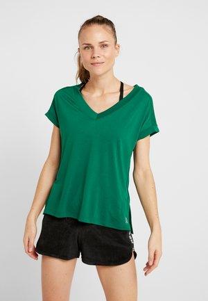 DETAIL TEE - Basic T-shirt - clover green