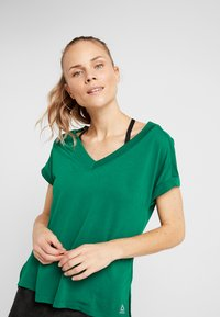 Reebok - DETAIL TEE - T-shirt basique - clover green - 3