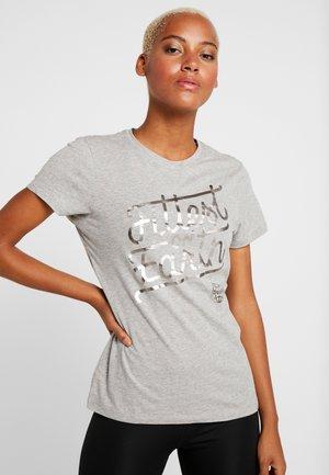 FITTEST ON EARTH TEE - Print T-shirt - medium grey heather