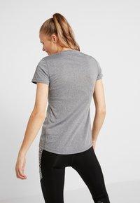 Reebok - REFLECT TEE - T-shirt med print - black - 2