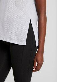 Reebok - TEE - Print T-shirt - denim dust - 3