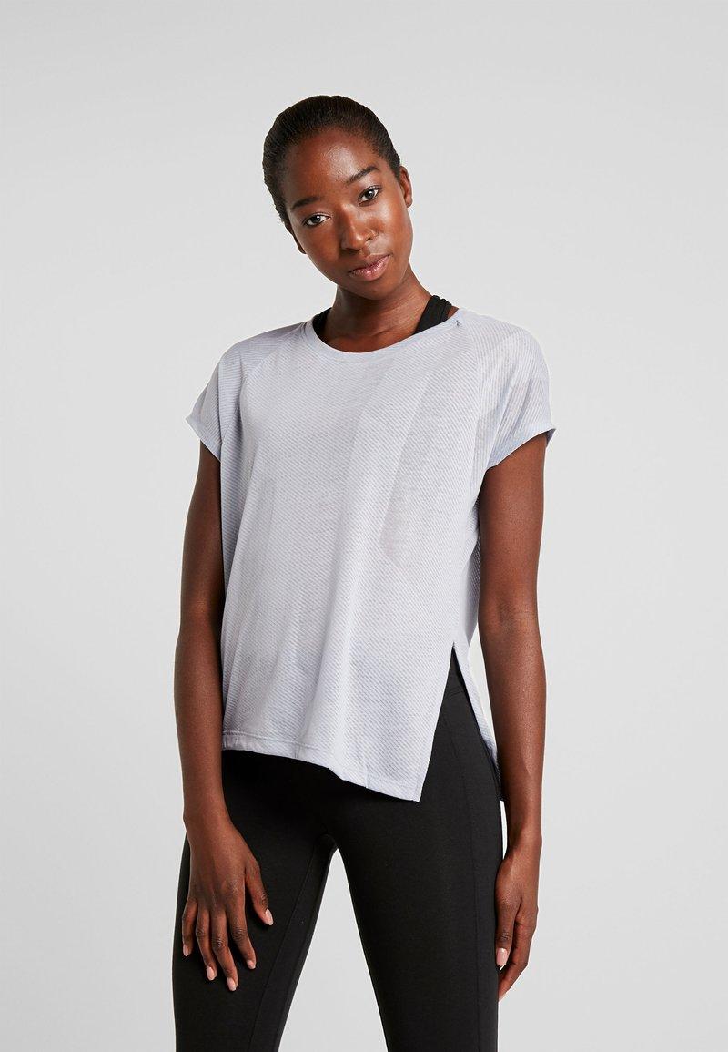 Reebok - TEE - Print T-shirt - denim dust