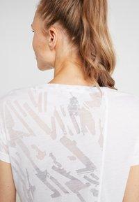 Reebok - BURNOUT TEE - Print T-shirt - white - 5