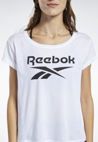 Reebok - GRAPHIC TEE - T-shirts med print - white - 4