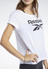 Reebok - GRAPHIC TEE - T-shirts med print - white - 3