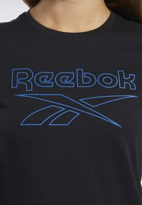 Reebok - TRAINING ESSENTIALS GRAPHIC TEE - T-shirts med print - black - 3