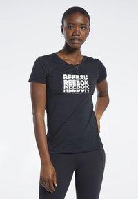 Reebok - ACTIVCHILL GRAPHIC TEE - T-shirt print - black - 0