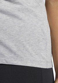 Reebok - VECTOR GRAPHIC TEE - Print T-shirt - grey - 5
