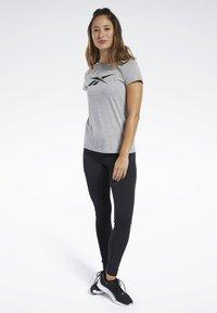 Reebok - VECTOR GRAPHIC TEE - Print T-shirt - grey - 1