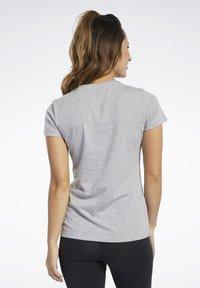 Reebok - VECTOR GRAPHIC TEE - Print T-shirt - grey - 2