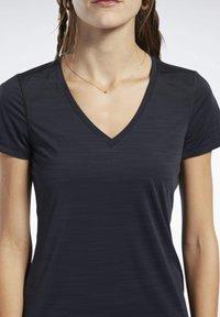Reebok - ACTIVCHILL TEE - T-shirts - black - 3