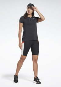 Reebok - ONE SERIES RUNNING ACTIVCHILL TEE - Print T-shirt - black - 1