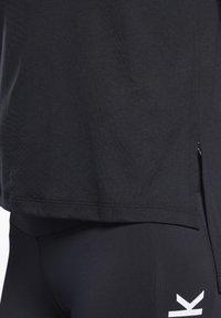 Reebok - BURNOUT TEE - T-shirts - black - 3