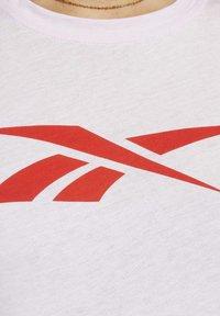 Reebok - VECTOR GRAPHIC TEE - T-shirt print - pixel pink - 4