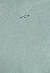 Reebok - STUDIO COZY FASHION HOODIE - Hoodie - green slate - 6