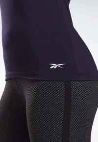 Reebok - LES MILLS® BODYCOMBAT® TANK TOP - Treningsskjorter - purple - 4