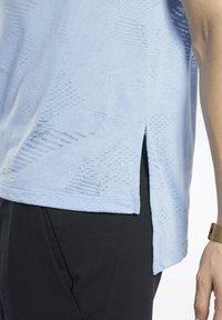 Reebok - BURNOUT TEE - T-shirt print - blue - 5