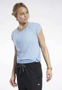 Reebok - BURNOUT TEE - T-shirt print - blue - 0