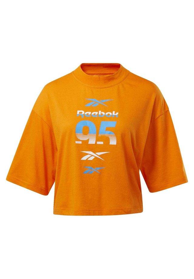 MYT GRAPHIC T-SHIRT - T-shirt print - orange