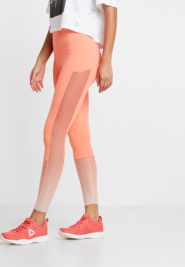 Reebok - OMBRE - Legginsy - orange